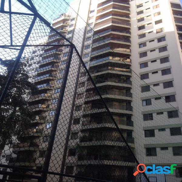 Maravilho apartamento em Moema na Alameda Jurupis.