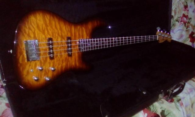 Fender Jazz Bass Deluxe Qmt 24 Trastes