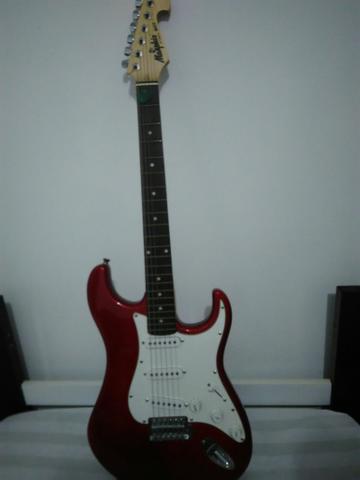 Vendo ou troco guitarra mg22 memphis by tagima