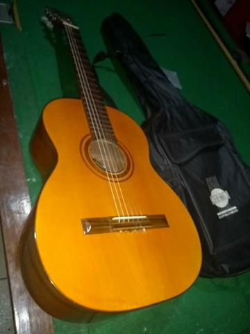 Vendo violão George