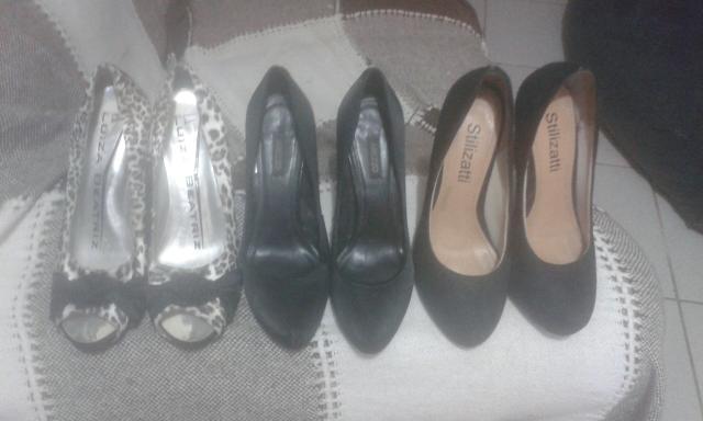 Vendo 3 pares de sapatos usados