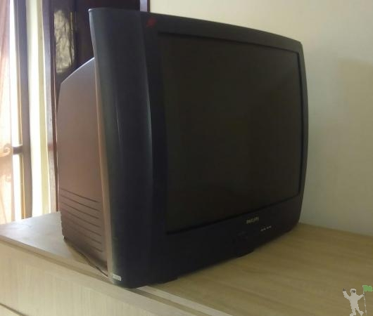 Vende-se tv de tubo PHILIPS 27