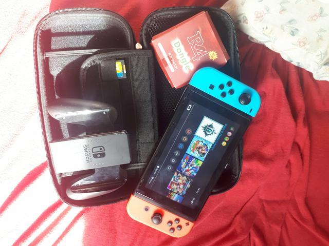 Nintendo Switch Neon 32GB DESBLOQUEADO