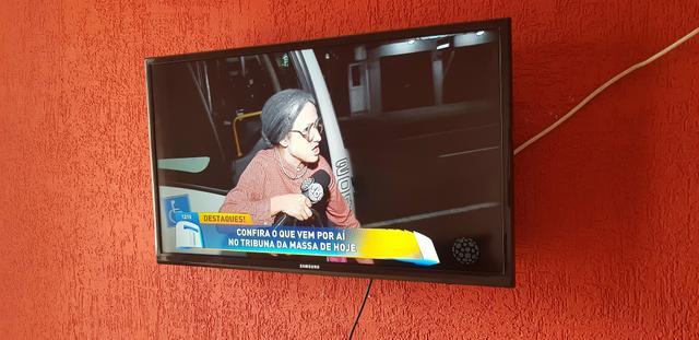 """TV Led Samsung 32"""" Polegadas perfeito estado de"""