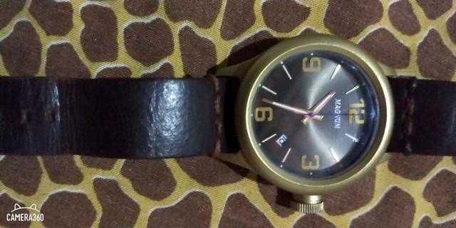 Relógio Magnum em ótimo estado para uso