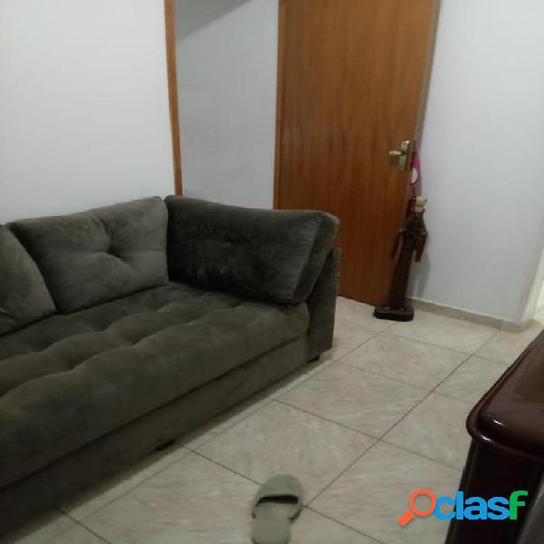 Apartamento com 2 dormitórios à venda, 69 m² por R$