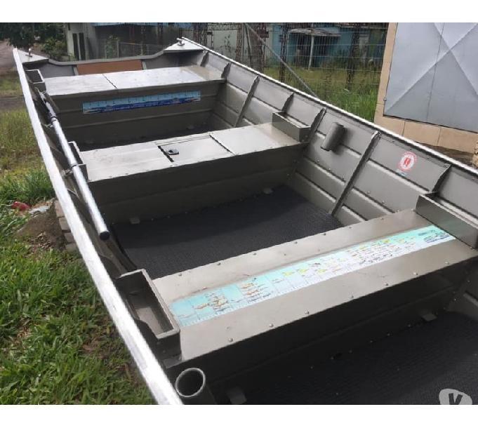 Barco modelo SEMI CHATA 5 METROS -A PRONTA ENTREGA