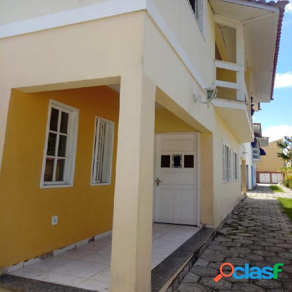 Belo Duplex 3 Quartos - Costa Azul - Casa em Condomínio