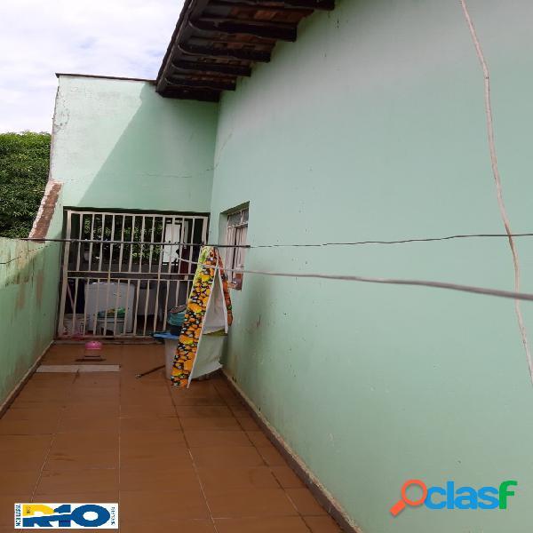 Casa a Venda com 4 Quartos,204 M² de Construção, 320 M²