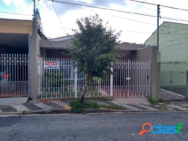 Casa com 3 dorms em Bragança Paulista - Centro por 2 mil