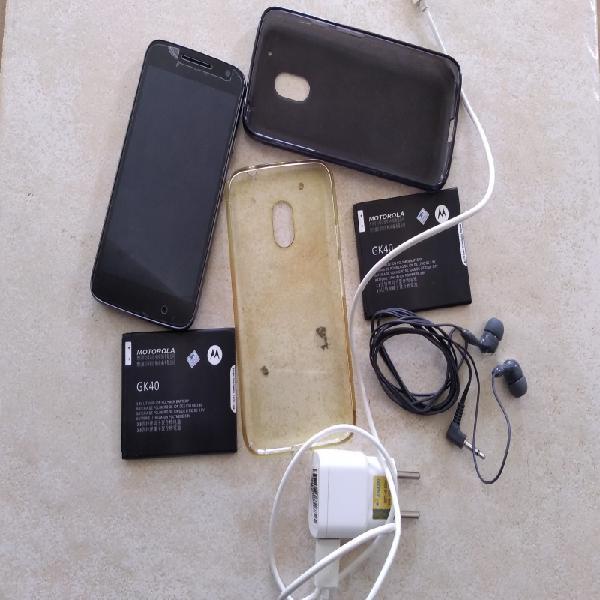 Motorola e Lenovo Moto G4 Play com 3 baterias único dono