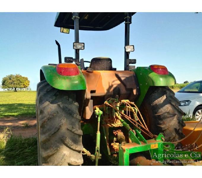Trator John Deere 5085 E 4x4 (Apenas 2.300 Horas!)
