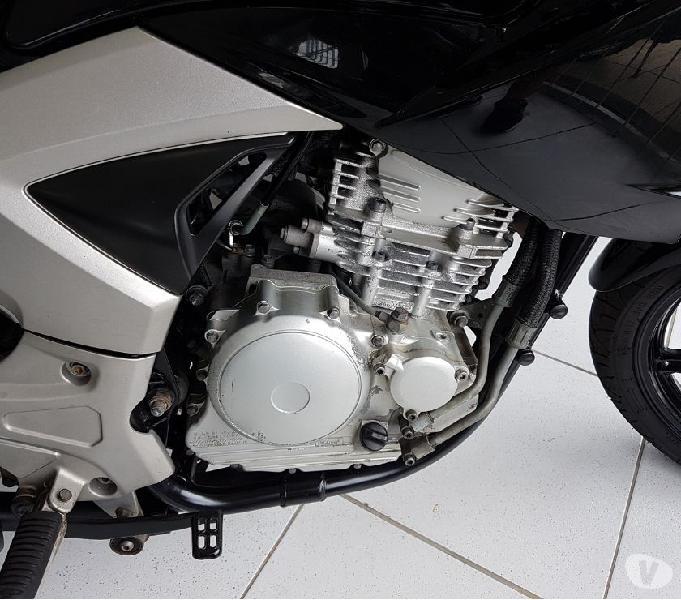Yamaha Fazer 250 2013, aceito troca, cartão e financio