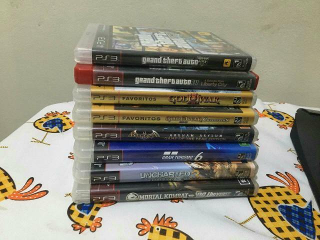 PlayStation 3 Super Slim 500 GB + 1 Controle + 8 Games