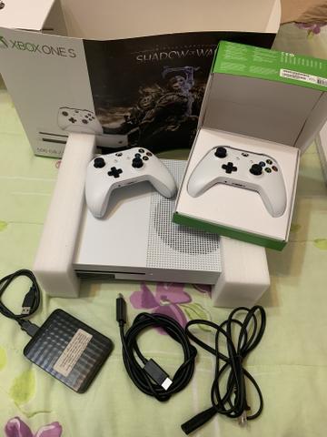 XBOX ONE S 500gb + 200 JOGOS