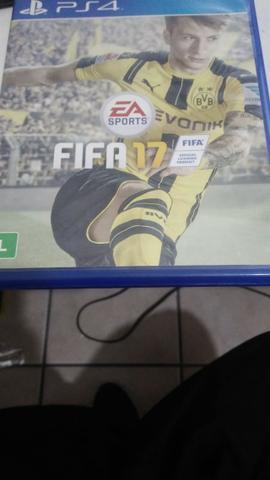 FIFA 17 - PS4 - Troco por outro jogo de ps4 antigo