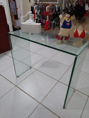 Centro de mesa todo em vidro