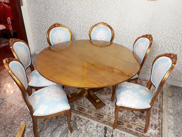 Mesa de Jantar Redonda em madeira Maciça com 6 cadeiras