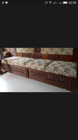 Sofa entalhado a mao todo em madeira de lei