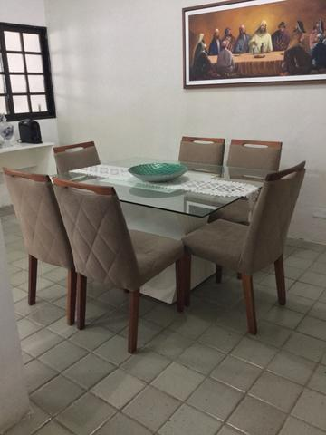 Vendo conjunto de mesa e cadeiras 6 lugares tampo de vidro