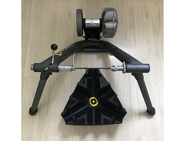 Rolo de Treino CycleOps Fluid 2 + Riser Block