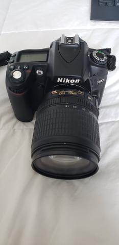 Combo Camera Nikon D90 (com 2 lentes + 2 baterias)