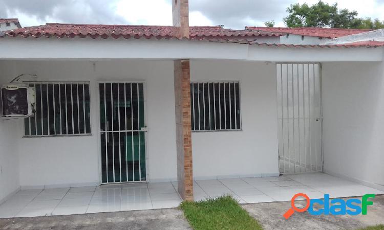 Alugo Linda Casa Com 02 Quartos e Mobiliada em Parque das