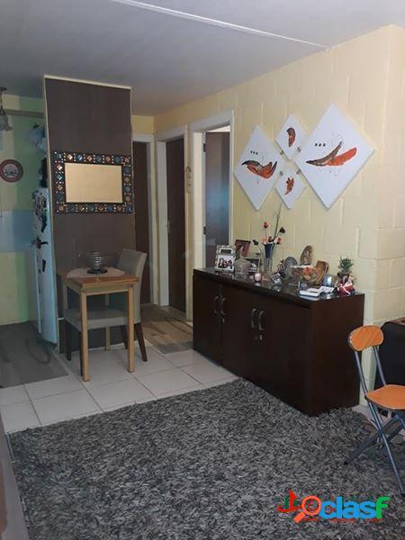 Apartamento com 2 dormitórios na Domingos de Almeida