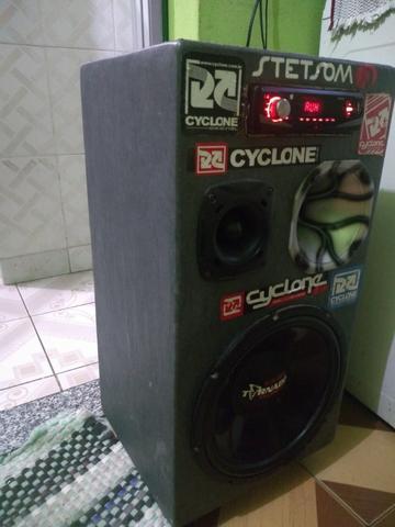 Caixa de som com rádio player