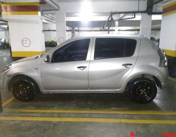 Renault Sandero 1.0 prata 2014 4 p completo única dona