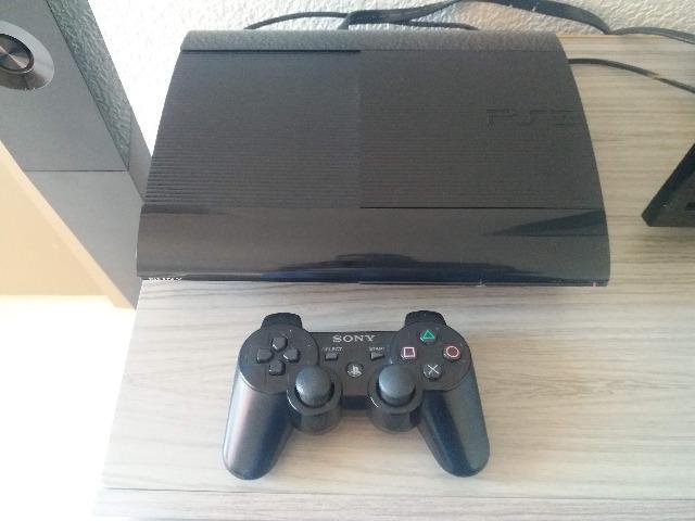 PS3 Super Slim 500Gb com 3 jogos e Todos os Cabos