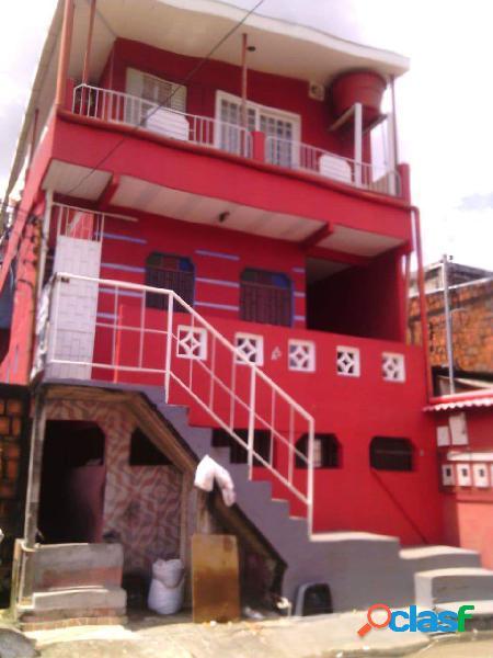 Vendo Lindo Prédio com 3 apartamentos em Alvorada. Manaus,