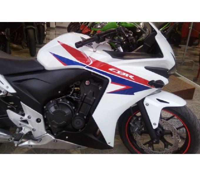 CBR 500 branca 2014 moto muito nova e sem detalhes, revisada
