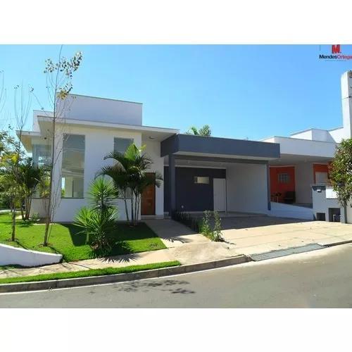 Rua Lucas Nogueira Garcês (no Condomínio Alameda Dos