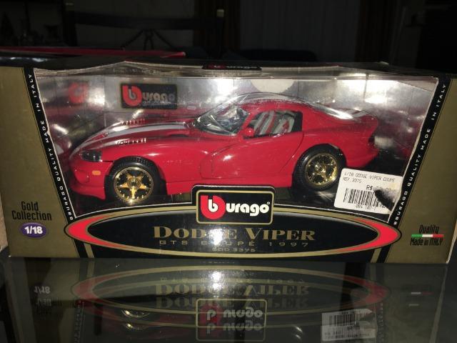 Miniatura Dodge Viper Gts Coupe Burago 1/18 Gold Collection