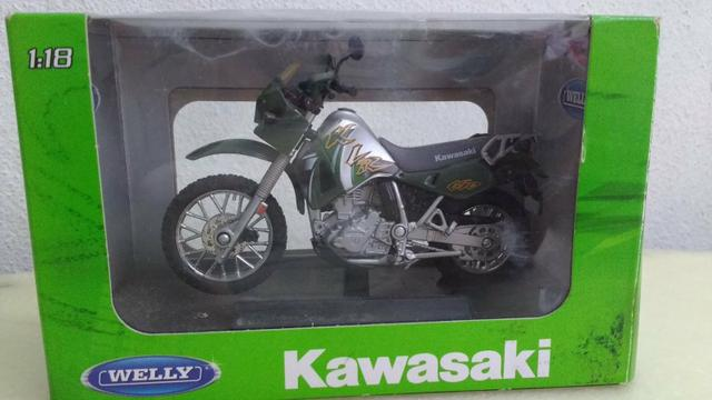 Vendo miniatura de moto
