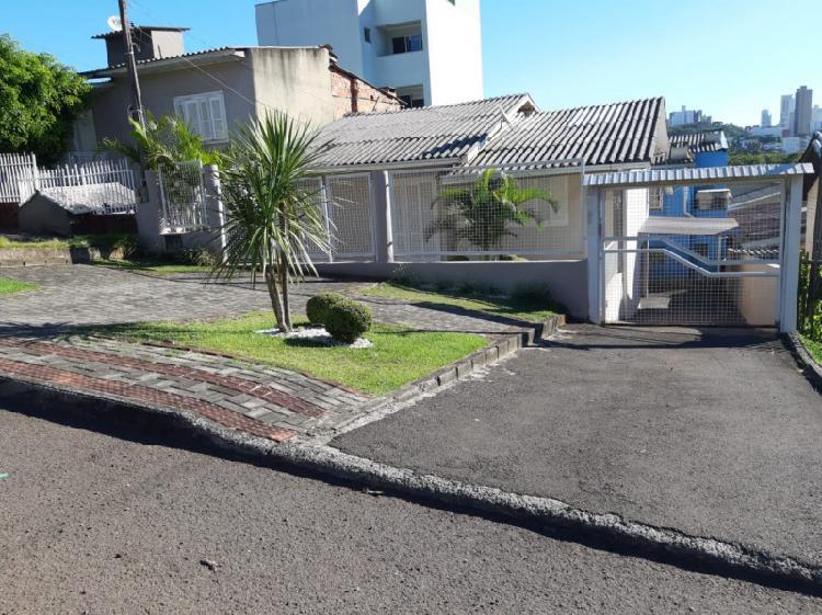Casa para locação no bairro Santa Maria
