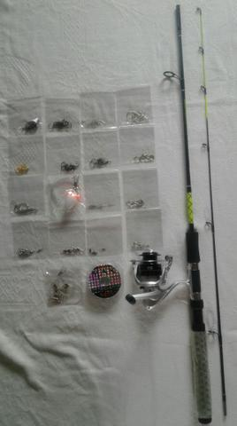 130 itens + vara de pesca 1,83 mt + Molinete + Linha de