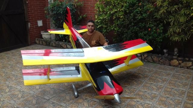 Aeromodelo ultimate 35% motor dle 111 servos futaba 37kg bls