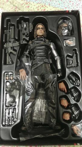 Hot Toys - Bucky Soldado Invernal (Winter Soldier)