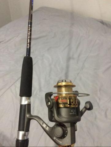 Kit novo - Vara de pesca com molinete