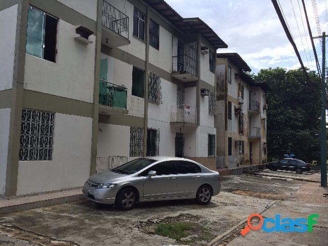 Vendo Excelente Apartamento no Conjunto Joao Bosco em