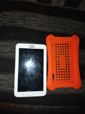 Vendo tablet Samsung Galaxy e celular