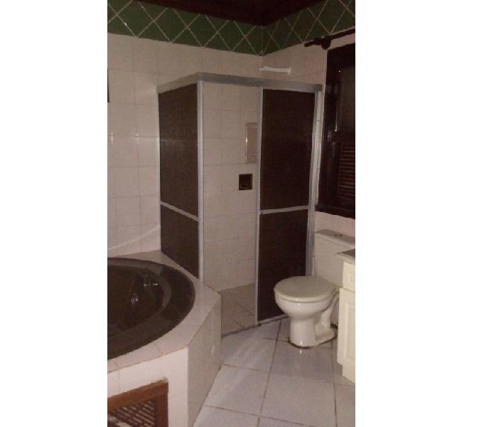 Aluga-se Alvenaria de 02 Dormitório em Santa Cruz do