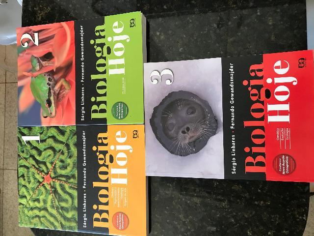 Livros de Biologia - Sônia Lopes + Sérgio Linhares &