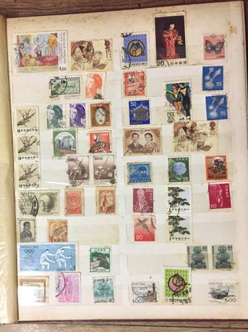 Álbum de selos estrangeiros