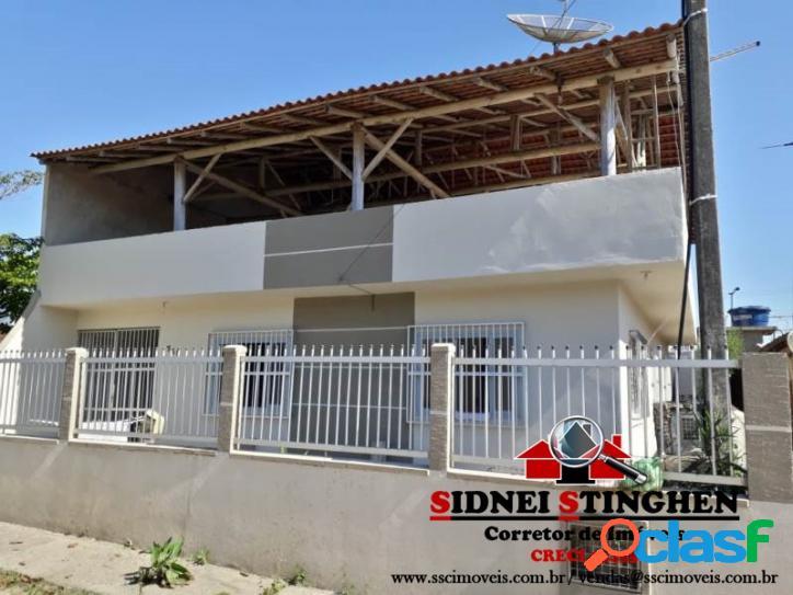 Casa com 04 dormitórios, na praia de Bal. Barra do Sul-SC.