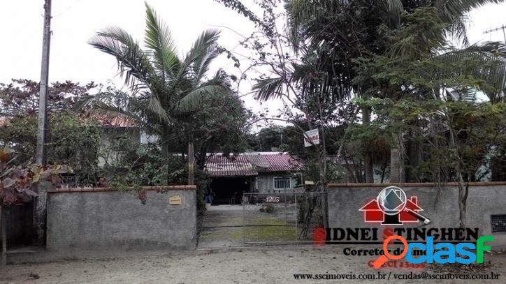 Casa na praia de 90 m², em Bal. Barra do Sul - SC.