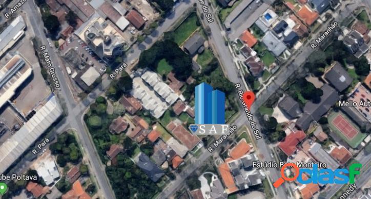 Terreno a Venda no bairro Água Verde em Curitiba - PR. -
