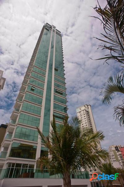 Apartamento com 3 dorms em Balneário Camboriú - Centro por